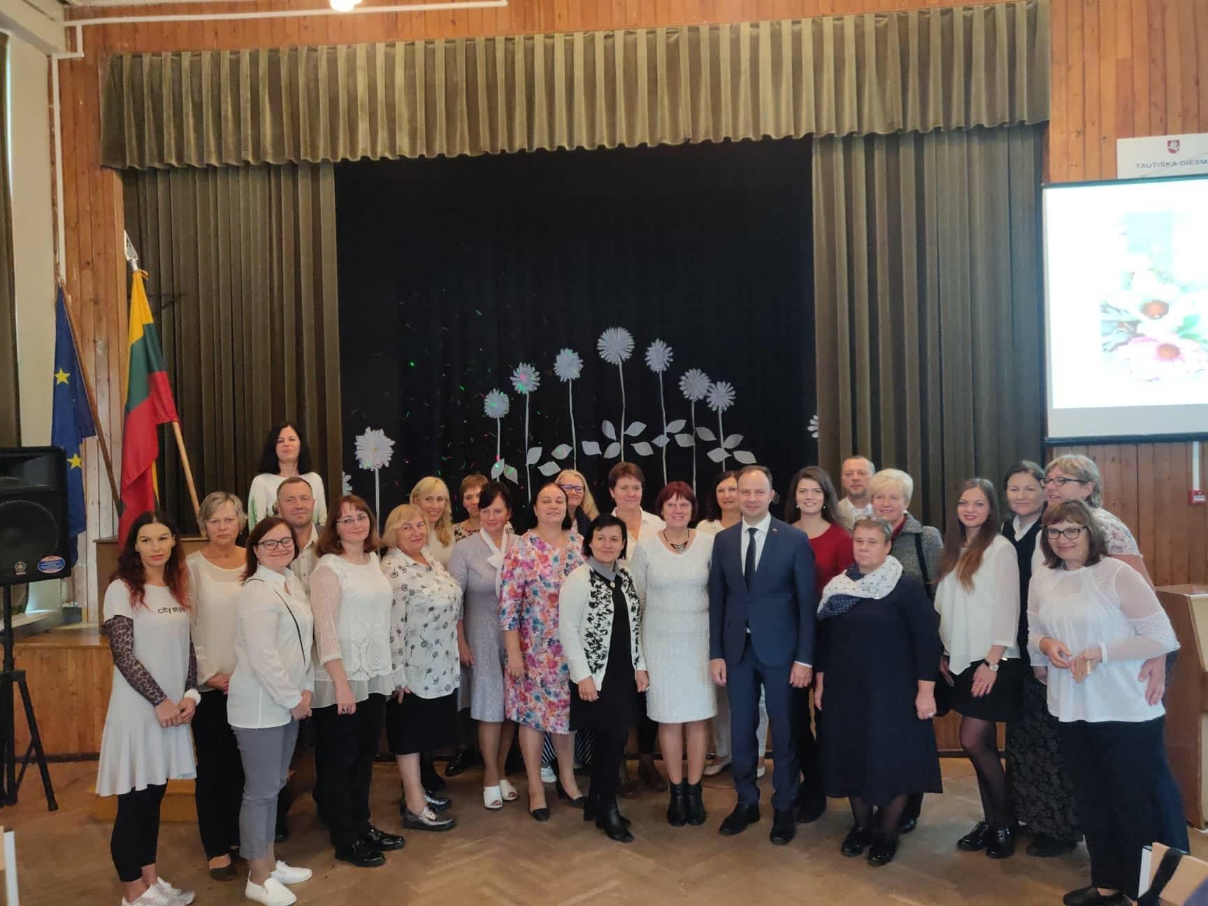 Mokytojų sveikinimas Tarptautinės mokytojų dienos proga