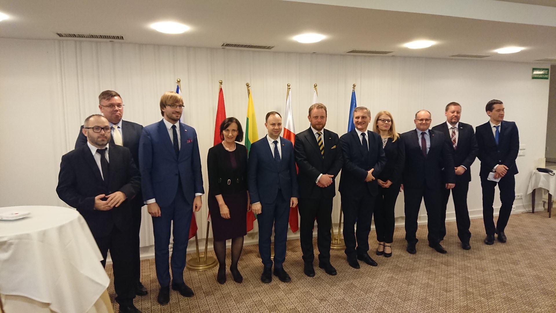 Lenkijoje ministras A. Veryga su kitais ministrais tarėsi, kaip mažinti vaistų kainas