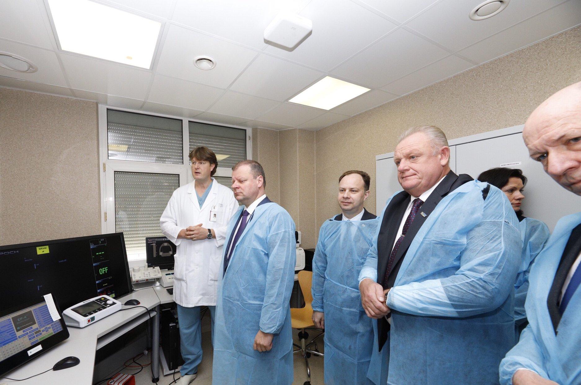 Premjeras: sudėtingos operacijos šiuolaikiniais metodais turi būti prieinamos visiems
