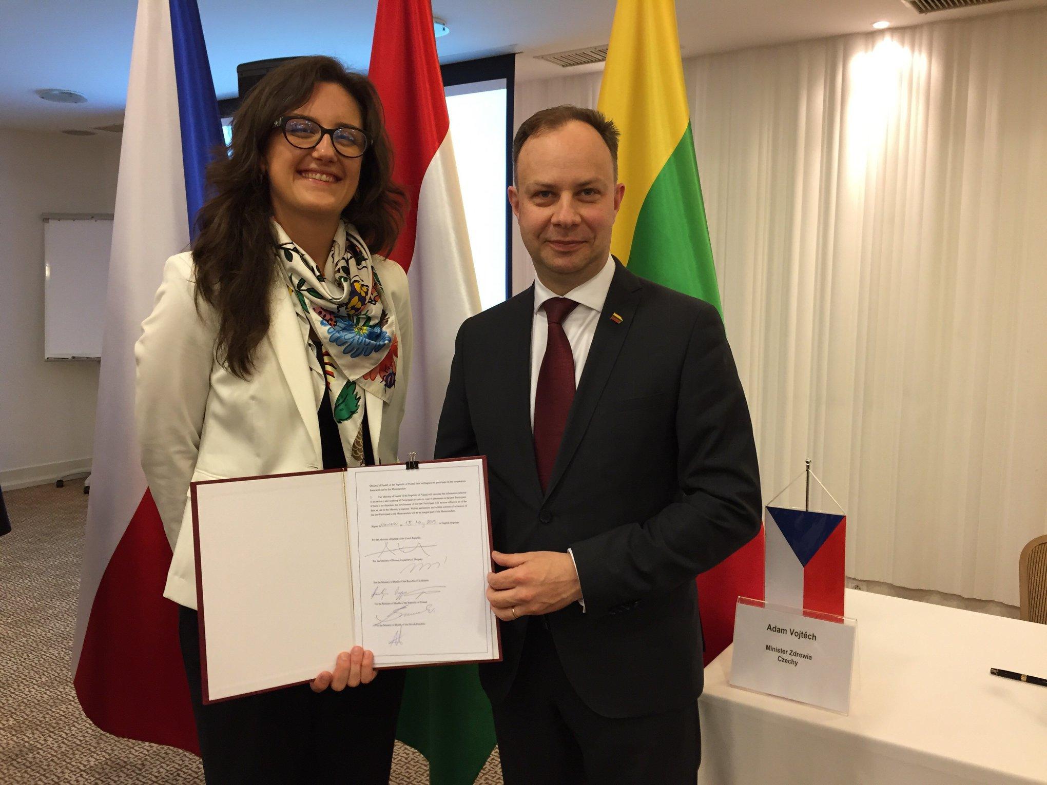 Ministras A. Veryga ir kitų šalių ministrai susitarė derėtis dėl pigesnių vaistų
