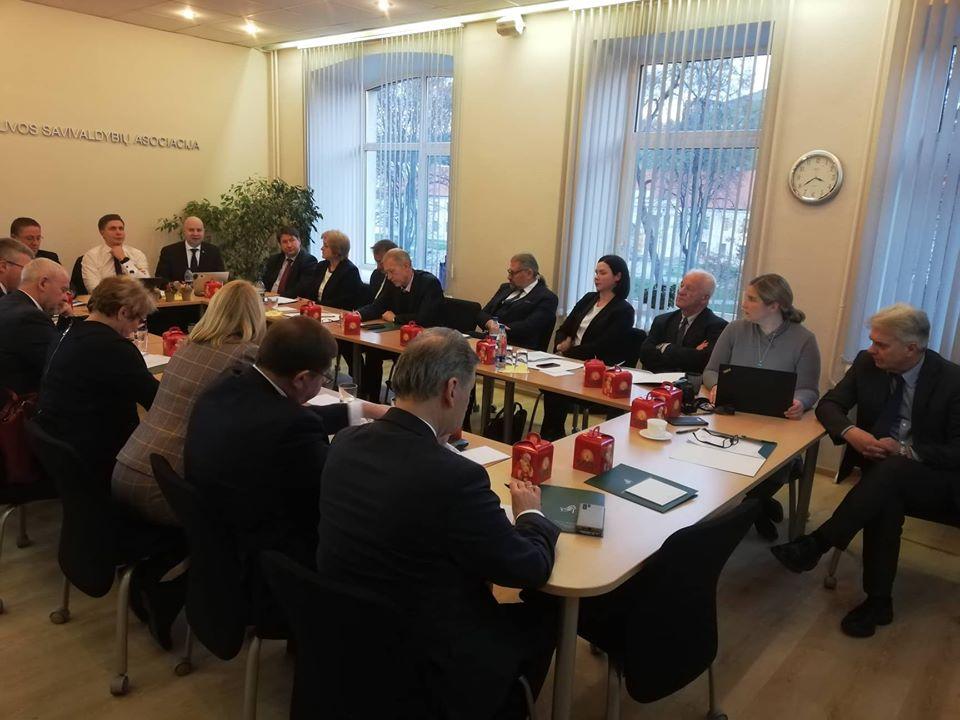 Susitikimas su Lietuvos savivaldybių asociacijos valdybos nariais